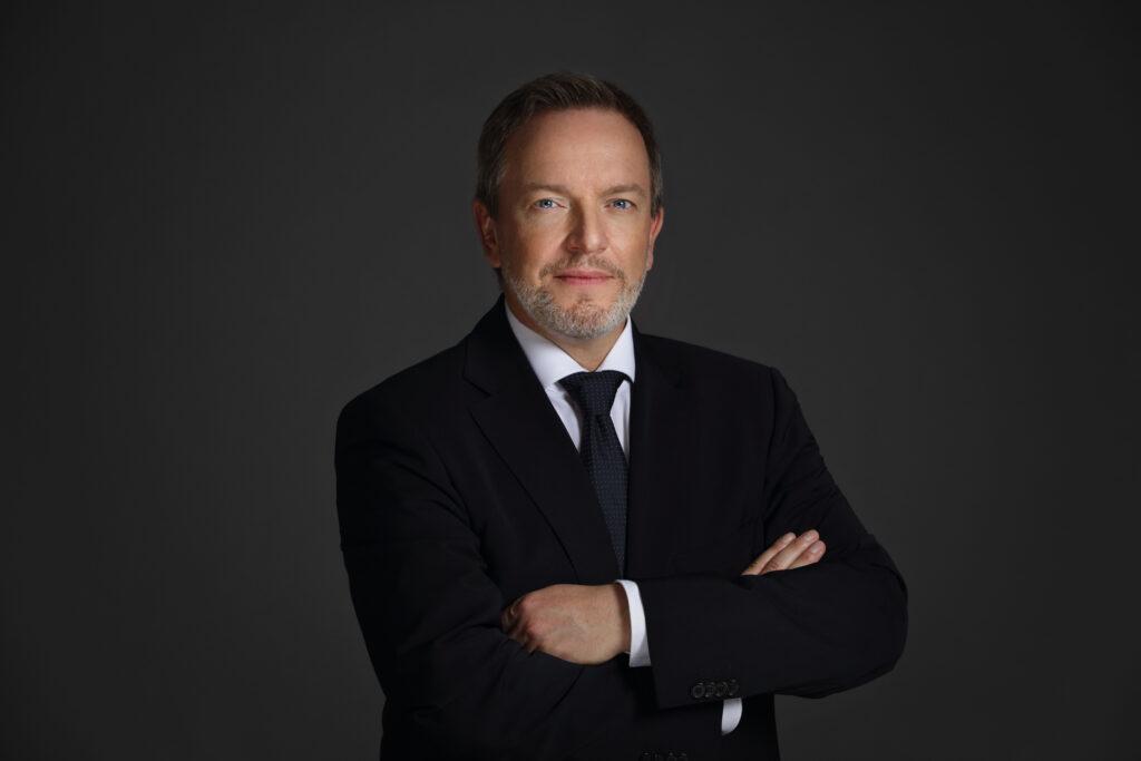 Dr. Horst Robertz BABOR